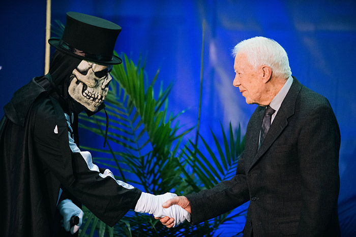 President Jimmy Carter poses with Dooley.
